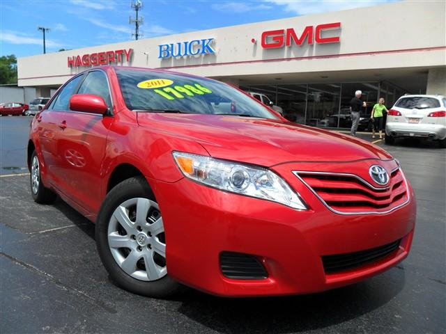2011 Toyota Camry LE Barcelona Red Metallic 7705 miles